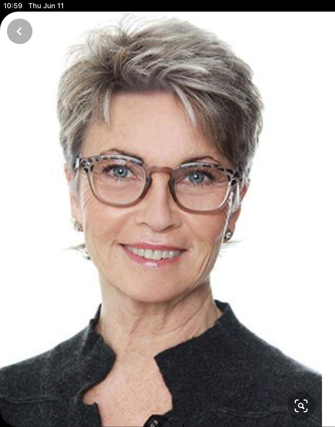 Pin Van Kelly Ferreira Op Kort Kapsel Dames Met Bril In 2020 Kort Kapsel Dames Met Bril Kapsels Voor Kort Haar Korte Kapsels Fijn Haar