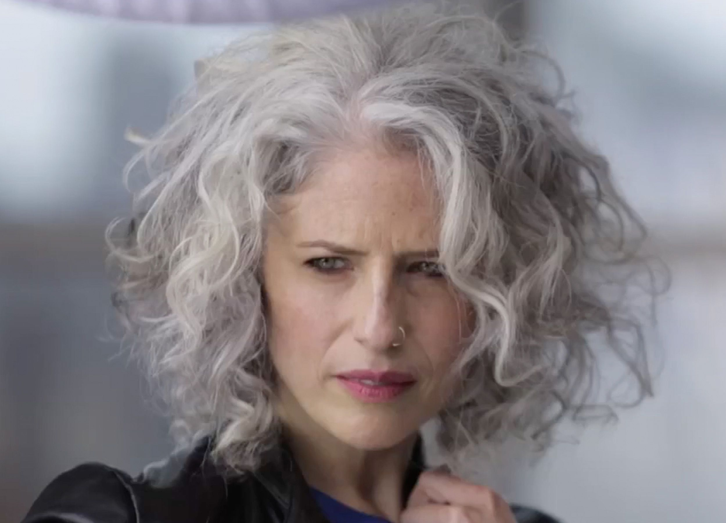 Oh My God This Silver Hair Style Is All My Dreams Come True Soft Curls And Beautiful Hair Tones Perfect Grey Curly Hair Curly Hair Styles Natural Gray Hair