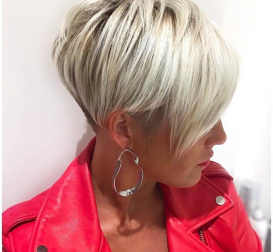 Korte Kapsels Dun Blond Haar