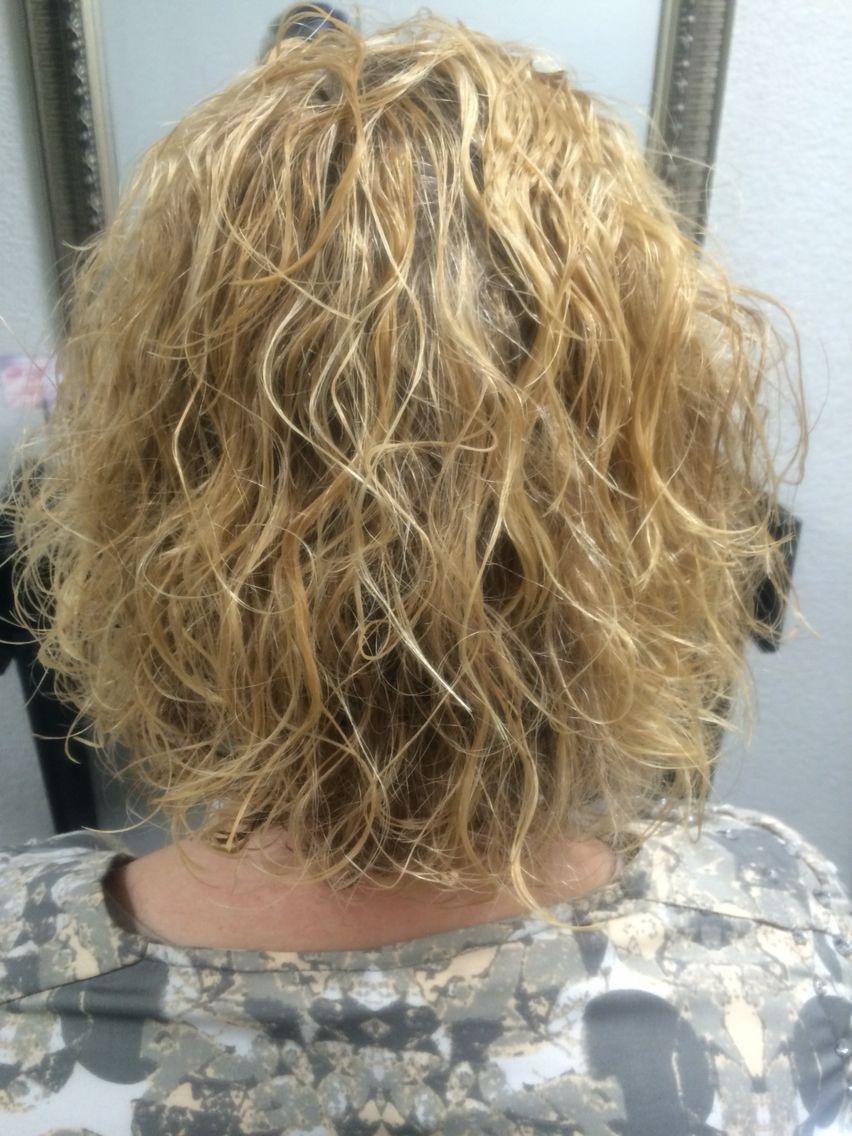 Korte Kapsels Grove Permanent Kort Haar