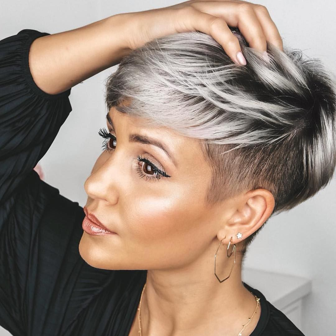 Hot Short Hairstyles For Women In 2019 Kort Trendy Kapsel Grijs Kort Kapsel Kapsels Voor Kort Haar