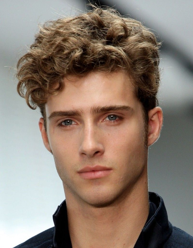 Hairstyles For Guys With Wavy Hair Men S Curly Hairstyles Curly Hair Men Thick Curly Hair