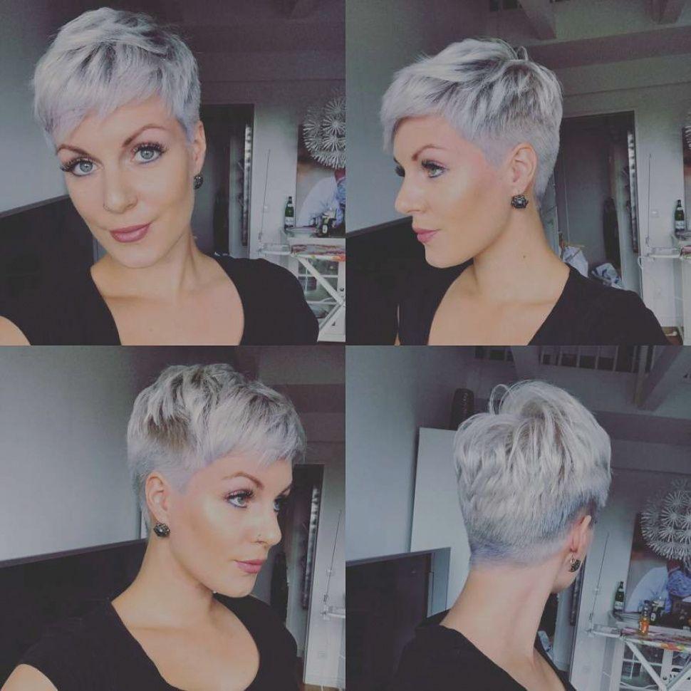 Beelden Van Korte Kapsels Grijs Haar 2018 Ideeen Kort Kapsel Korte Kapsels 2018 Grijs Kurzhaarfrisuren Frisuren Kurz Haarschnitt Kurze Haare