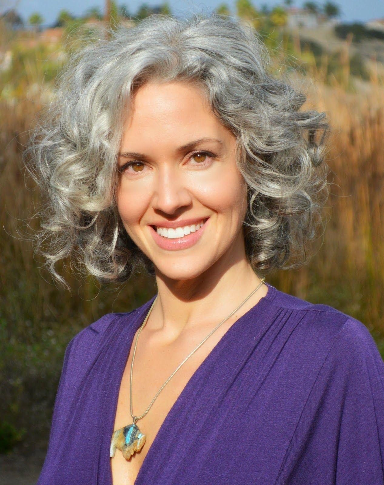 Sara Davis Eisenman Google Search Grijs Haar Kapsel Met Grijs Haar Grijs Haar Kapsels