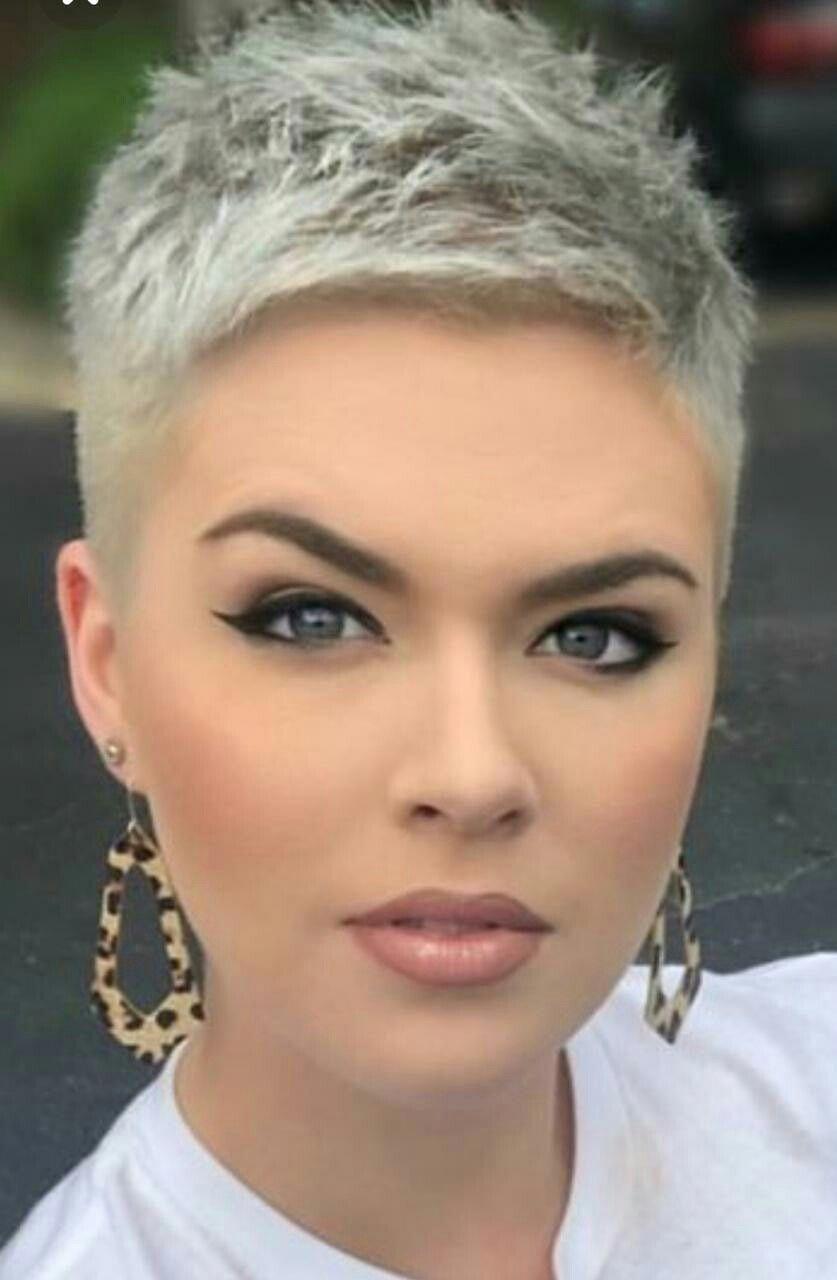 Pin By Nancy Goossens On Kapsels In 2019 Frisur Dicke Haare Haar Styling Pixie Graue Haare