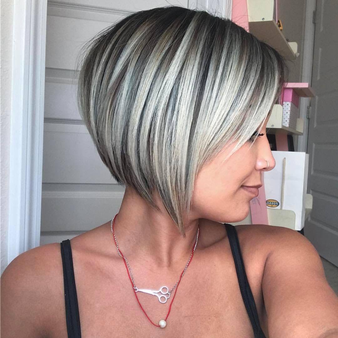 Coupe Au Carre Pixie Platine Blond 13 Bobhaircut Sidecut Jpg 1 080 1 080 Pixels Kapsels Kapsels Voor Kort Haar Kort Haar