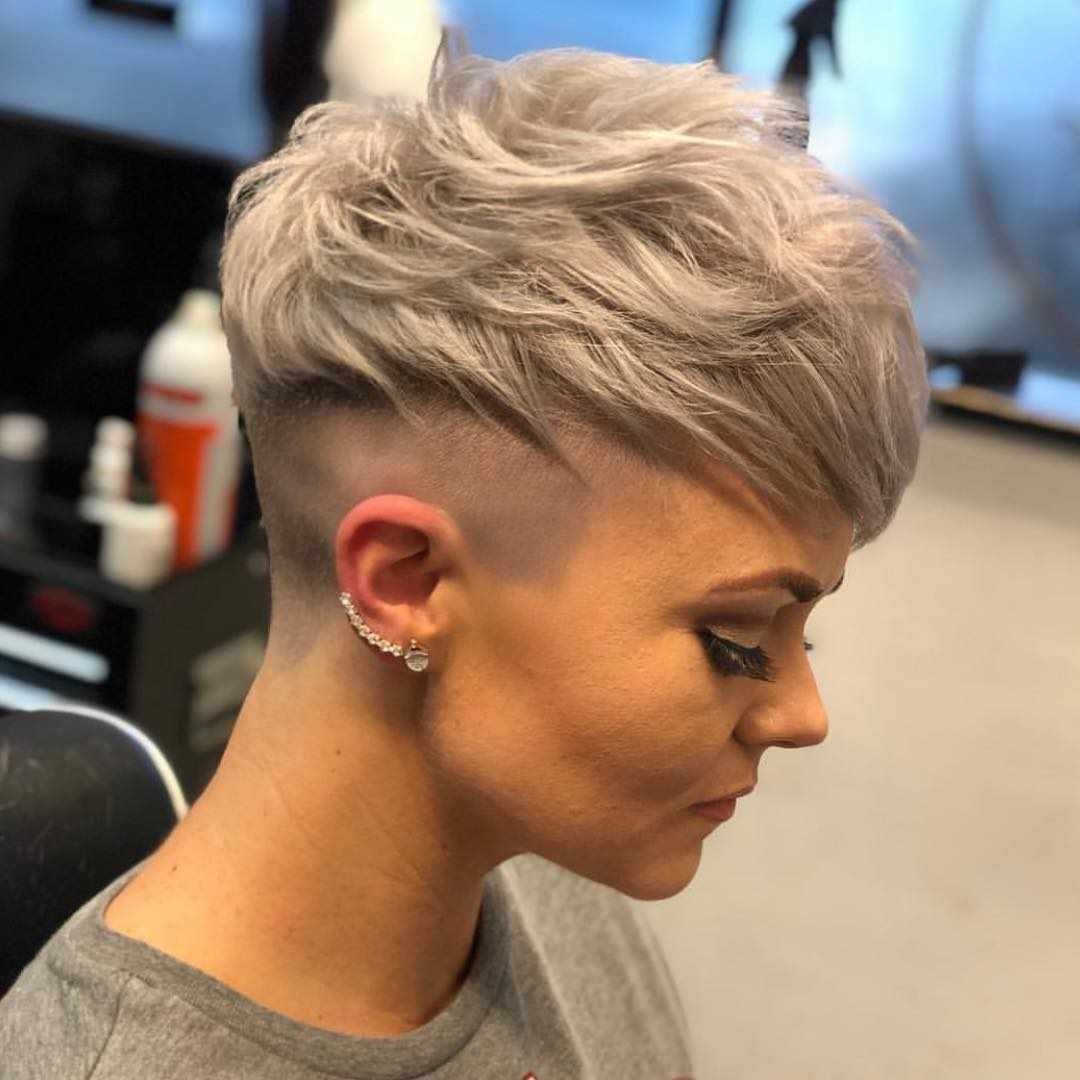60 Best Short Haircuts For Women 2018 2019 Hair Haircuts Hairstyles Shorthair Shorthaircut Sh Messy Pixie Haircut Very Short Hair Thick Hair Styles