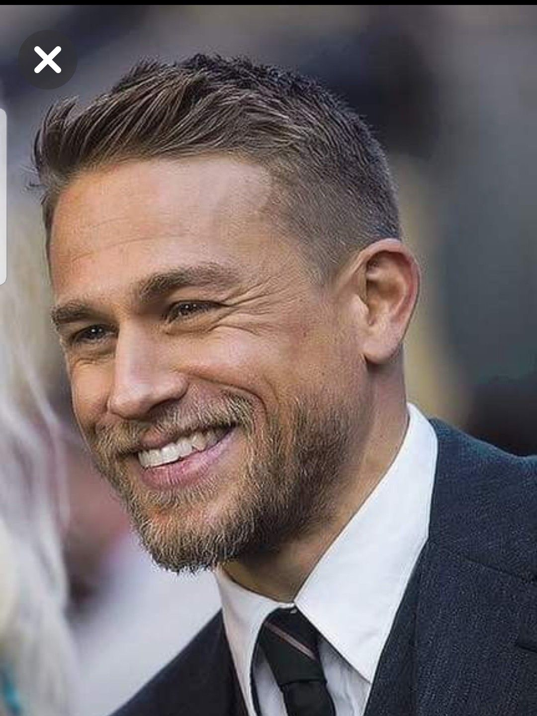 Pin By Pasquina On Personnalite Charlie Hunnam Haircuts For Men Mens Hairstyles
