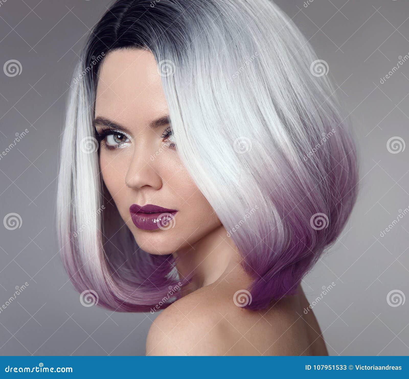 Het Korte Kapsel Van Het Ombreloodje Mooie Haar Kleurende Vrouw Trendy Stock Afbeelding Afbeelding Bestaande Uit Aantrekkelijk Loodje 107951533