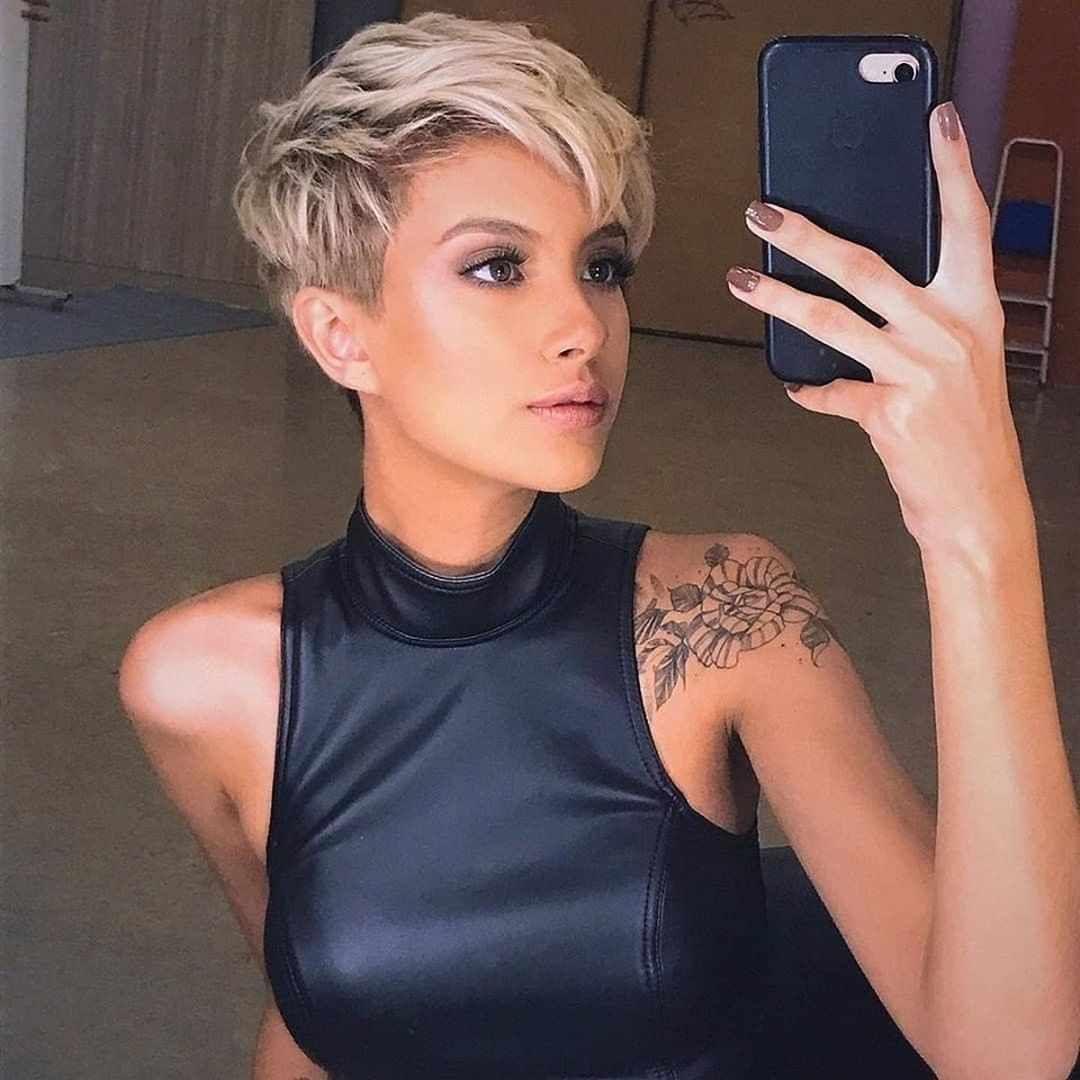 Feminine Pixie Haircuts Ideas For Women In 2020 Year Short Hair Styles Short Hairstyles For Women Short Hair Styles Pixie