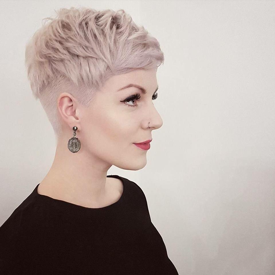 13x De Mooiste En Leukste Pixie Kapsels Speciaal Voor Jou Kort Haar Kapsels Kort Dik Haar