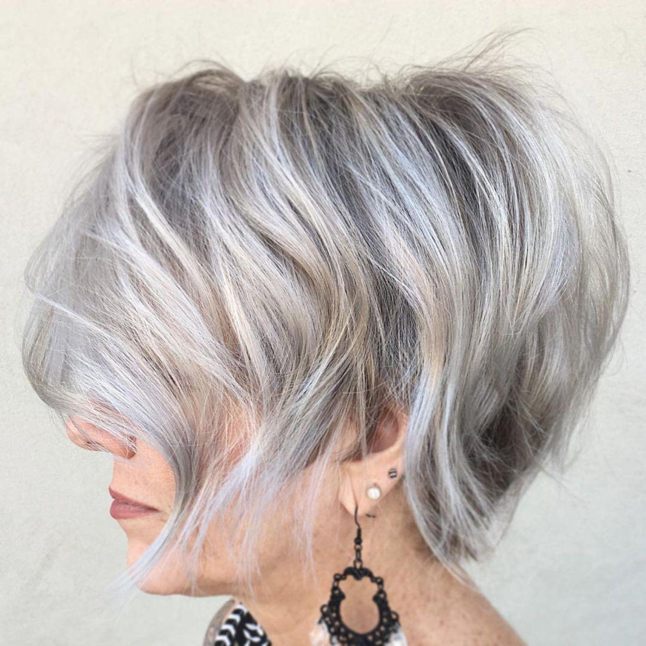 Tousled Gray Balayage Bob 50 Grijs Haar Funky Kort Haar Wit Haar