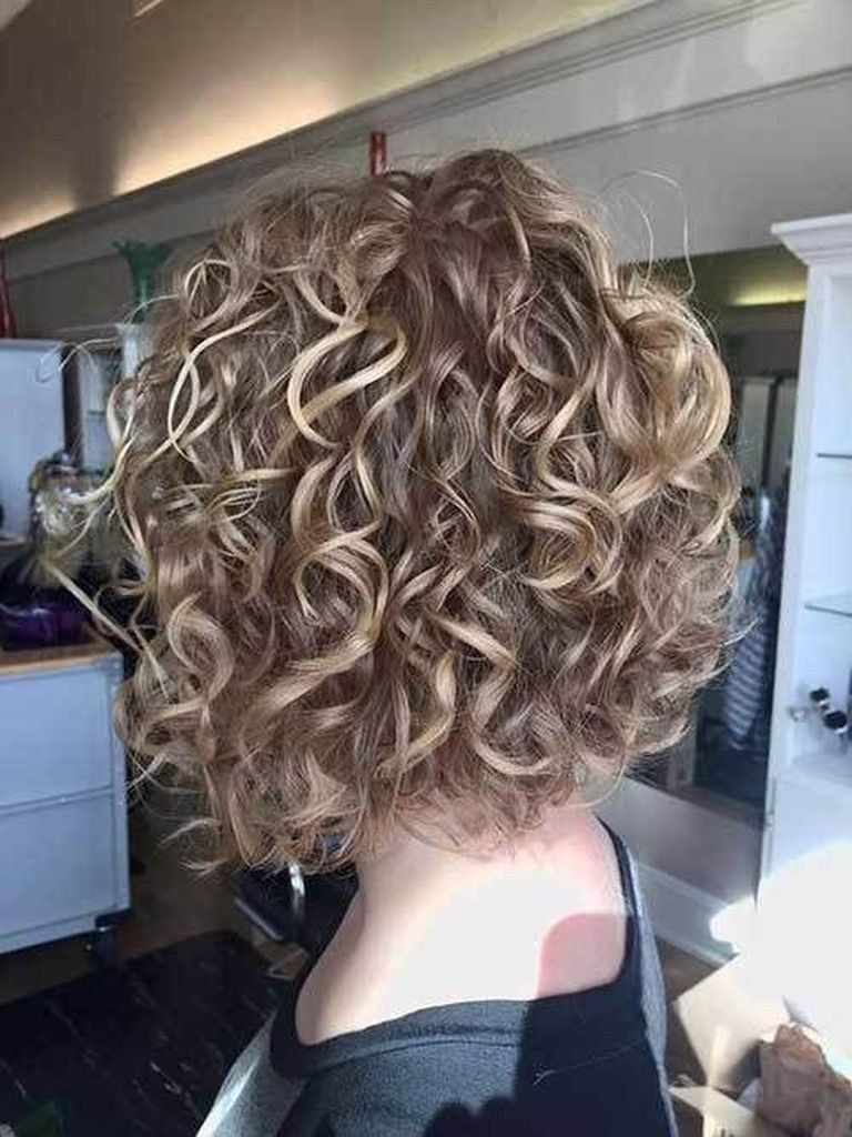25 Trend New Bob Hairstyles 2020 101outfit Com Bob Hairstyles Short Permed Hair Hair Styles