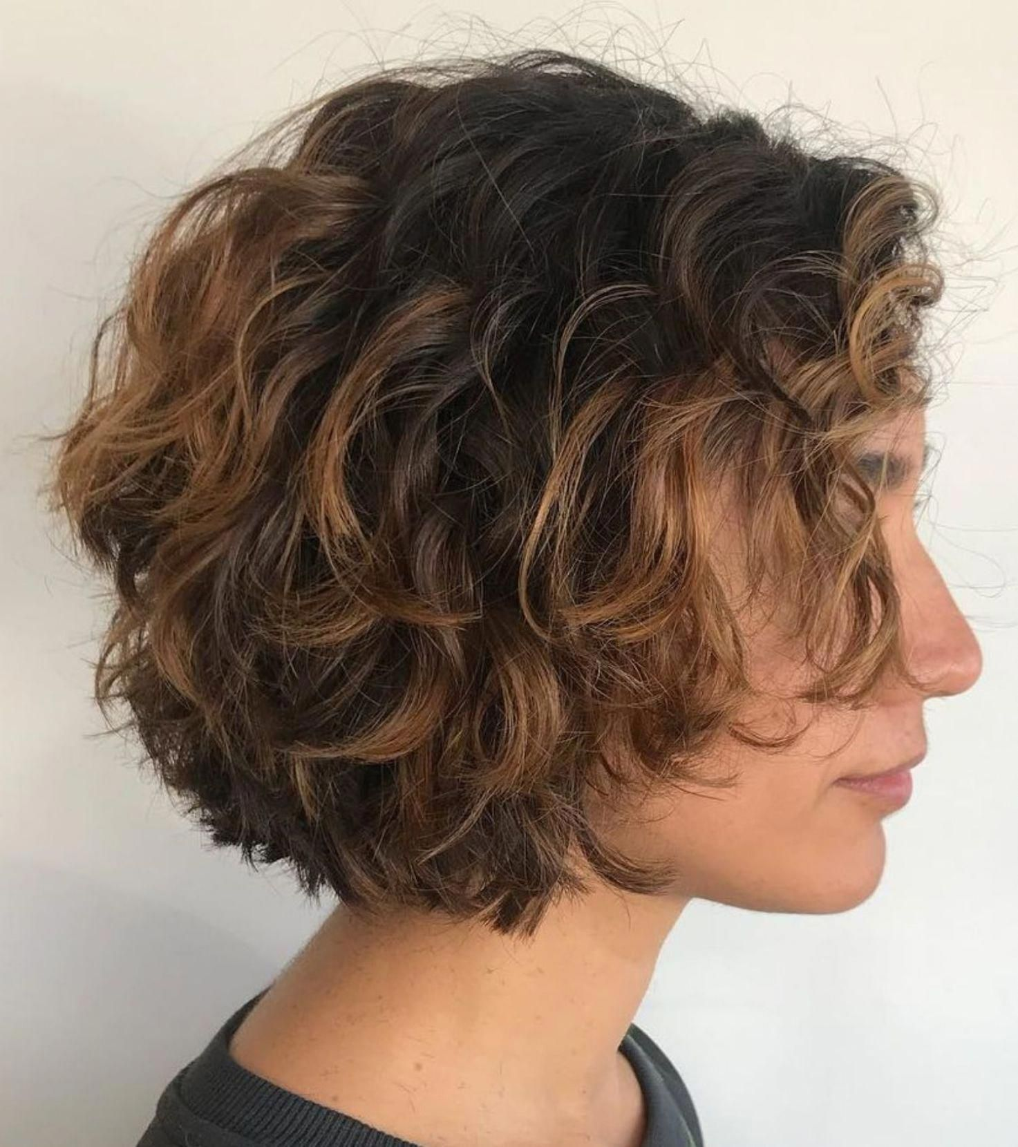 Short Textured Curly Bob Curlybobhairstyles In 2020 Short Wavy Hair Hair Styles Short Curly Hair