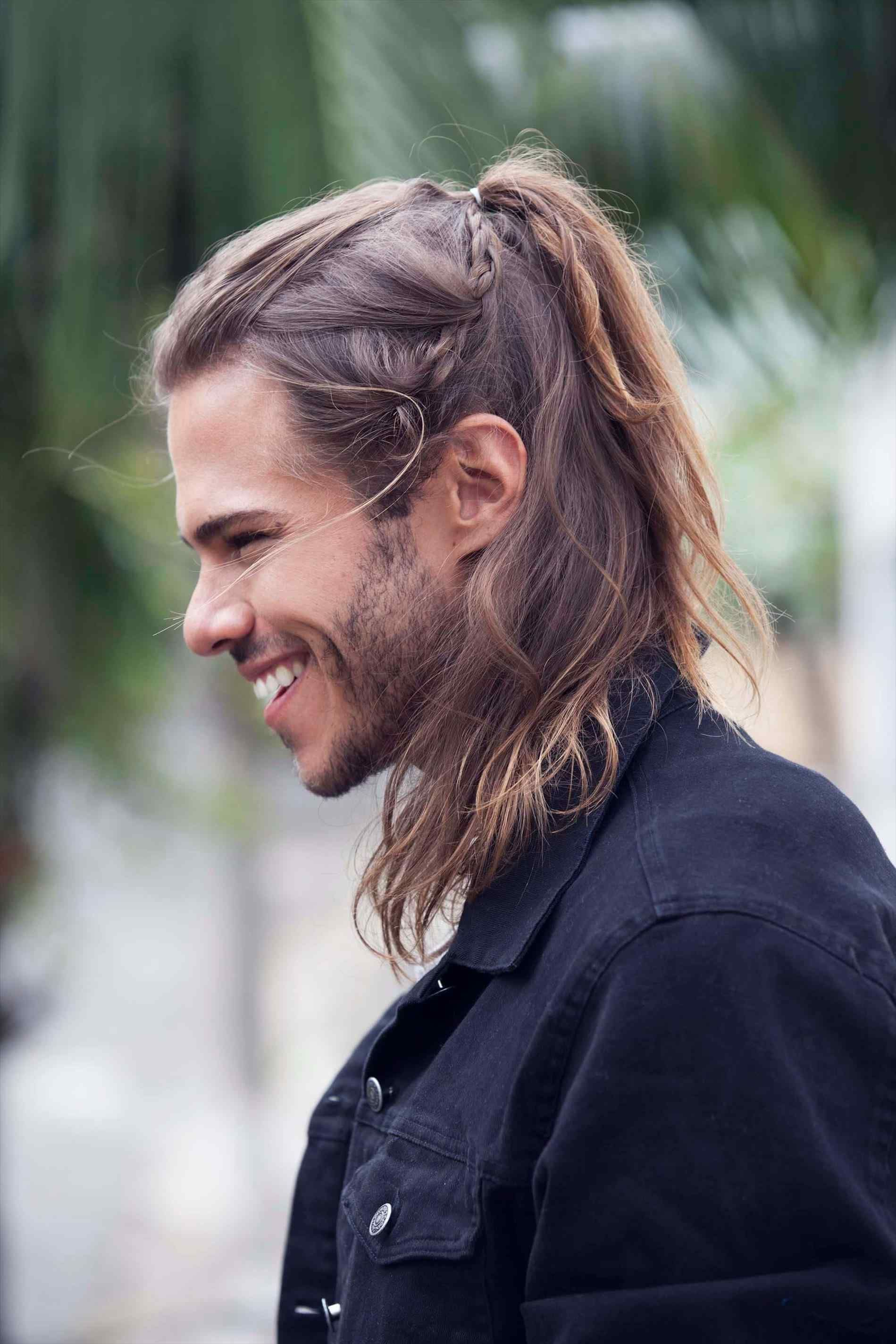 For Hairstyle Fodº Wo U Man How To Do Asap Rocky Braiding Hair Youtube How French Braids White Men To Mens Braids Hairstyles Man Ponytail Long Hair Styles Men