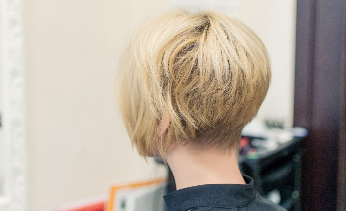 Eigen Haarkleur Terug Krijgen Na Highlights Haar Dat Omhoog Blijft Staan En Het Kapsel Van Victoria Beckham
