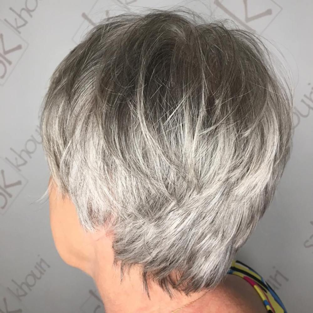 Tousled Layered Gray Pixie For Older Women Kort Grijs Haar Grijs Haar Kapsels Grijs Haar