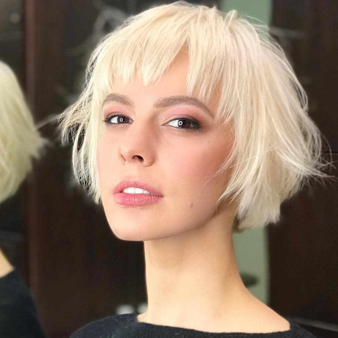 Short Hairstyle Ideas To Look Great In 2019 Bobhairstyles Haircuts Hairstyles Pixiecut Pixiehair Shor Thick Hair Styles Bobs For Thin Hair Hair Styles