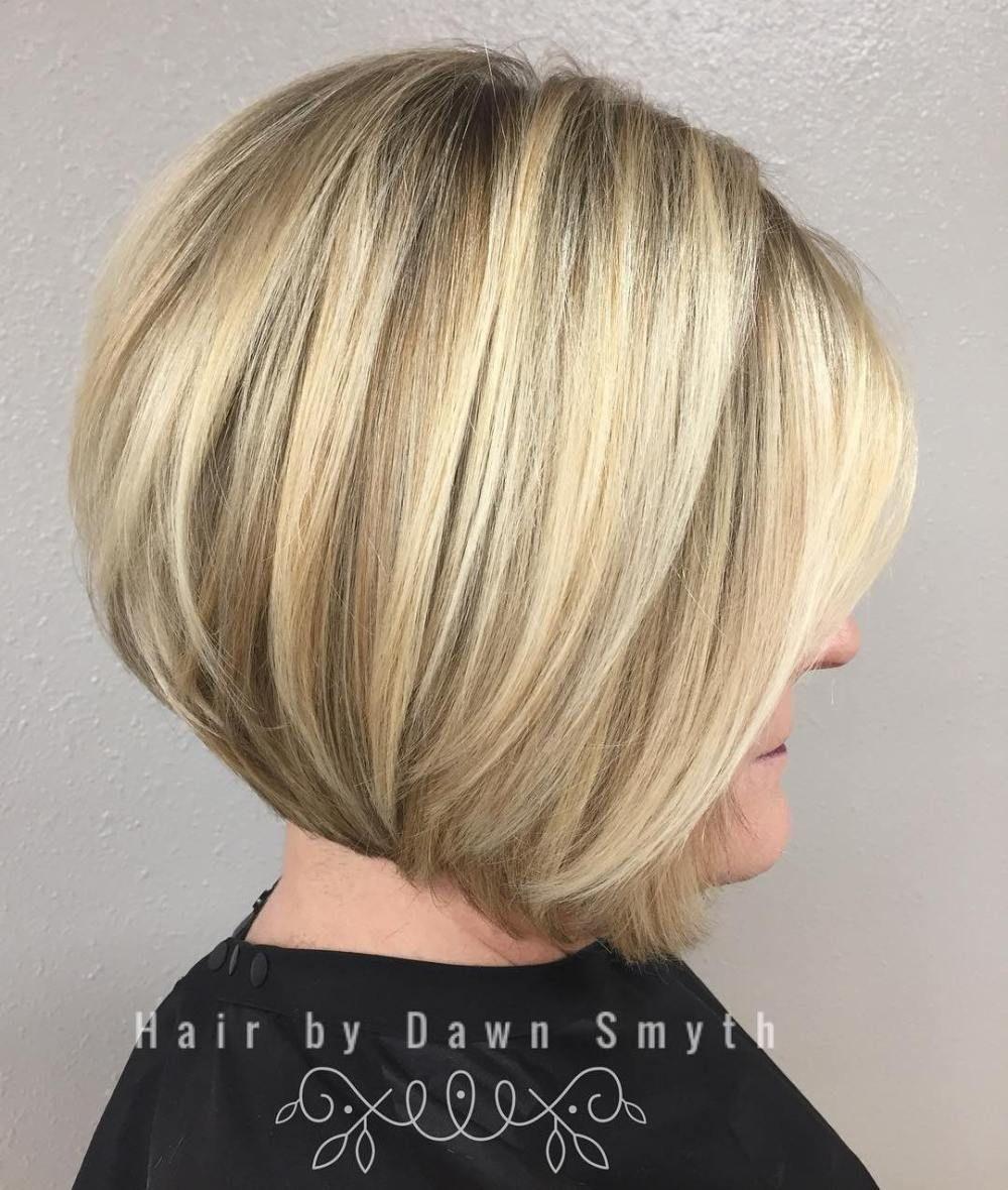 Rounded Blonde Angled Bob Kapsels Haarstijlen Vrouwen Korte Kapsels