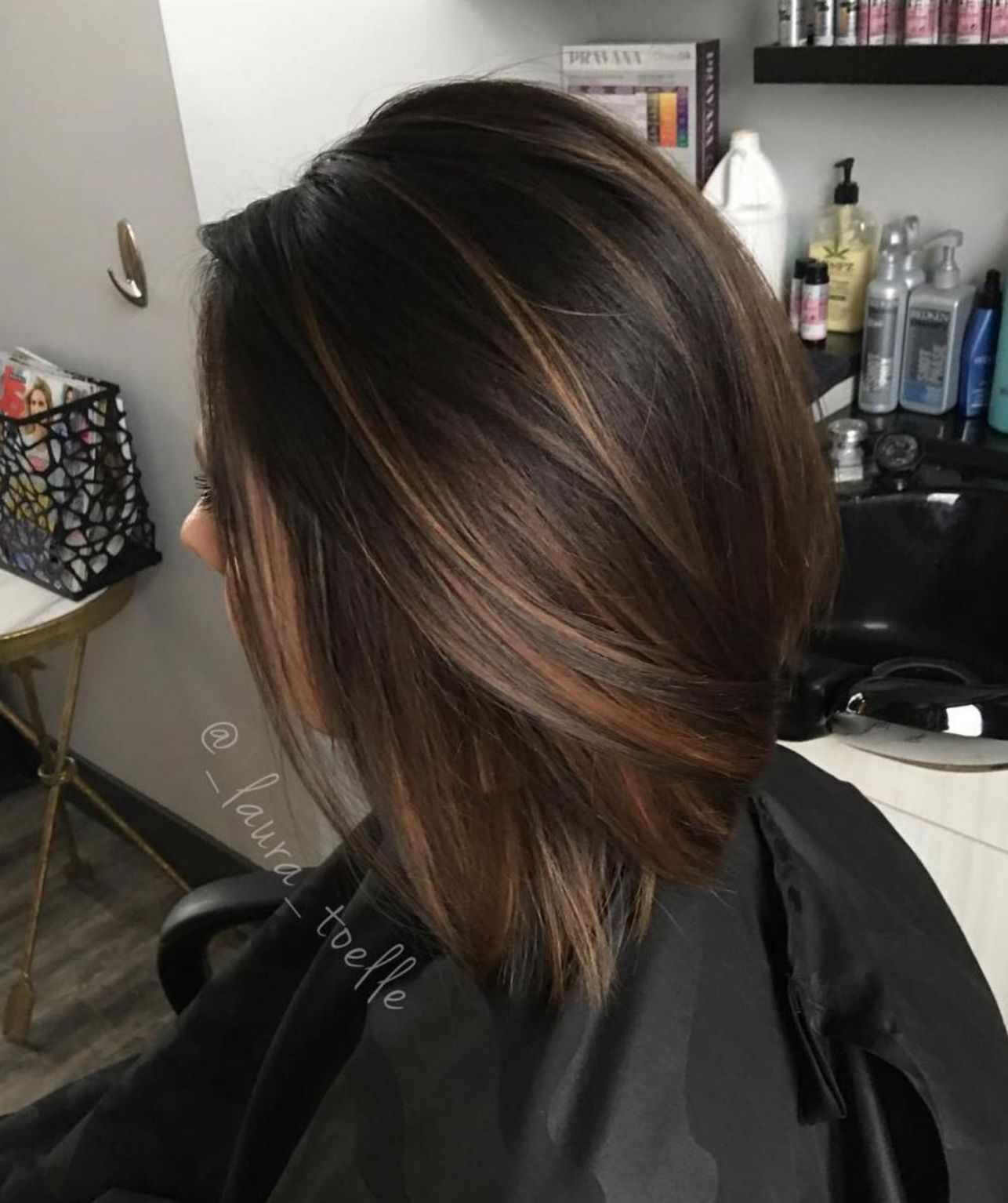 Subtle Balayage For Fine Brown Hair Halflang Haar Bruin Donkerbruin Haar Balayage Kort Haar