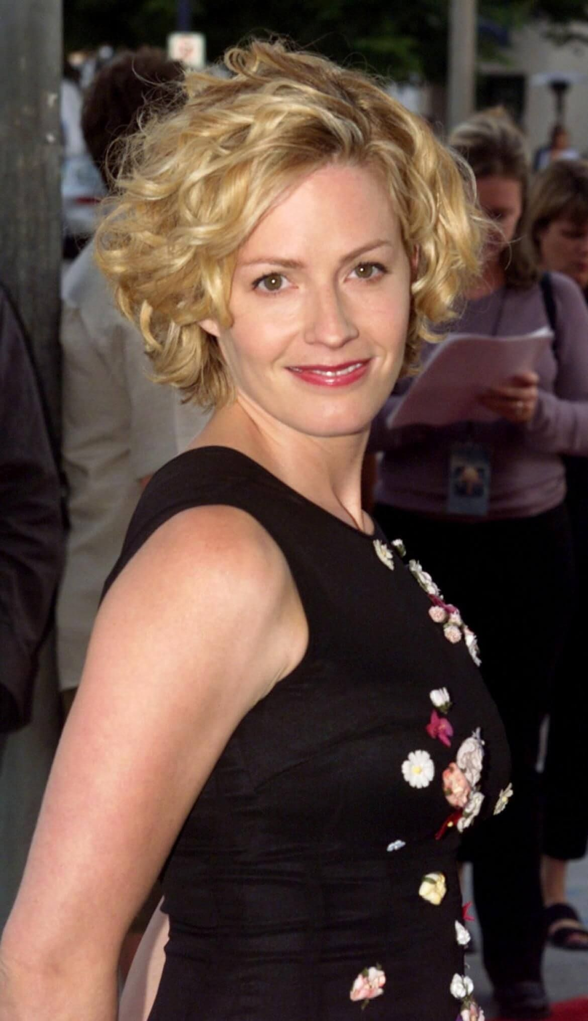Account Suspended Elisabeth Shue Short Hair Styles Actresses
