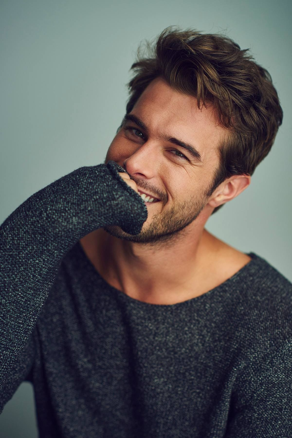 Gorgeous 47 Handsome Men With Hipster Hairstyle To Make Your Style More Amazing Http Upoutfit Men Haircut Styles Cool Short Hairstyles Mens Hairstyles Medium