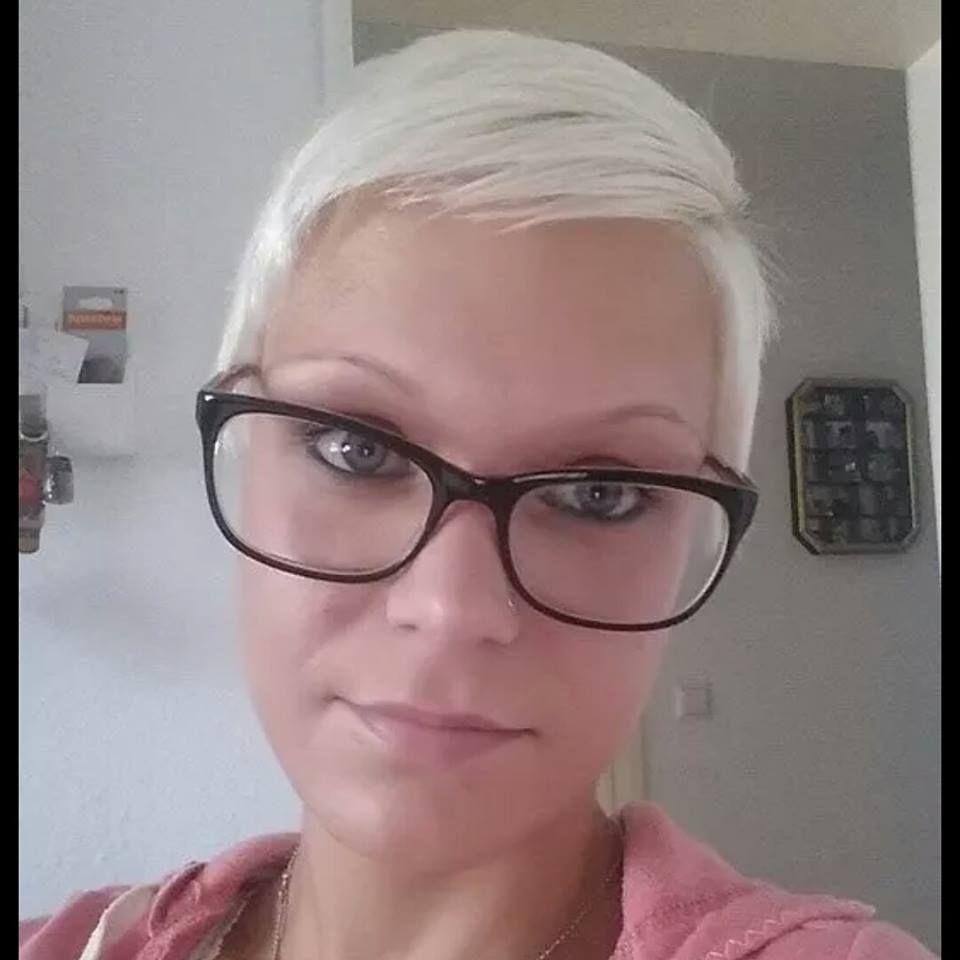 Porti Gli Occhiali Per Te Abbiamo Raccolto 13 Tagli Perfetti Per Donne Che Come Te Indossano Gli Occhiali Kapsels Korte Kapsels Korte Kapsels Met Bril