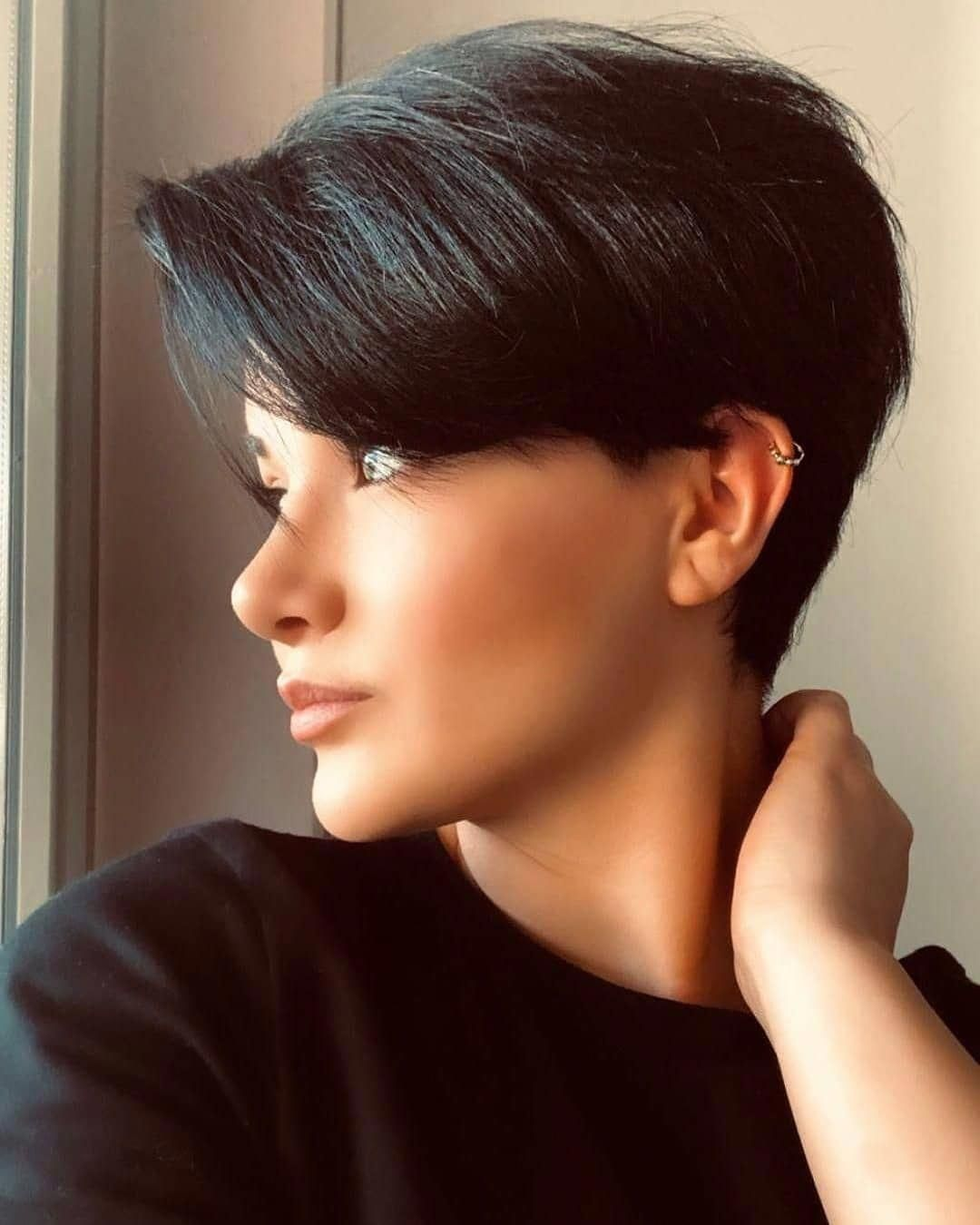 60 Of The Most Stunning Short Hairstyles On Instagram March 2019 Shorthairstyles Short Hair Styles Thick Hair Styles Pixie Hairstyles