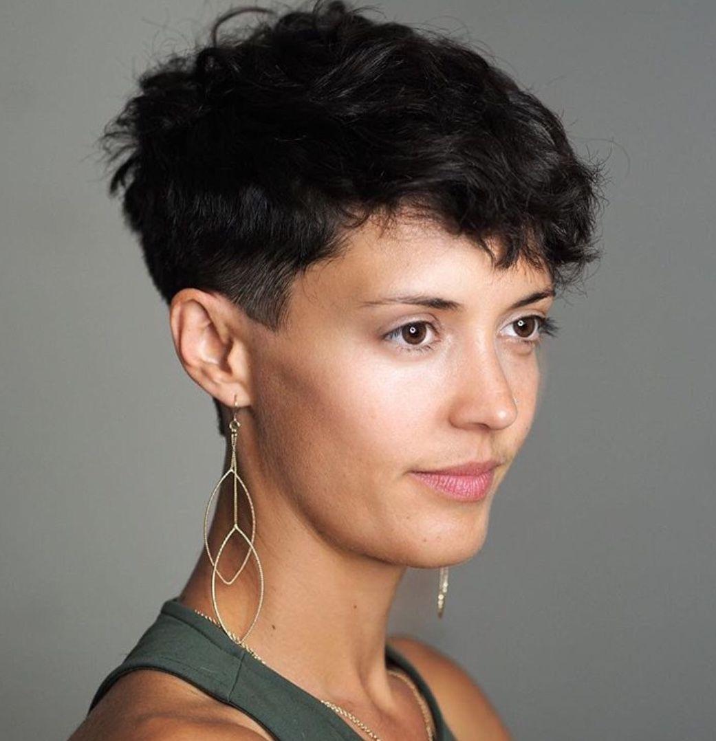 Pin Van Sheila Tabben Op Short Dark Hair In 2020 Korte Kapsels Kapsels Kort
