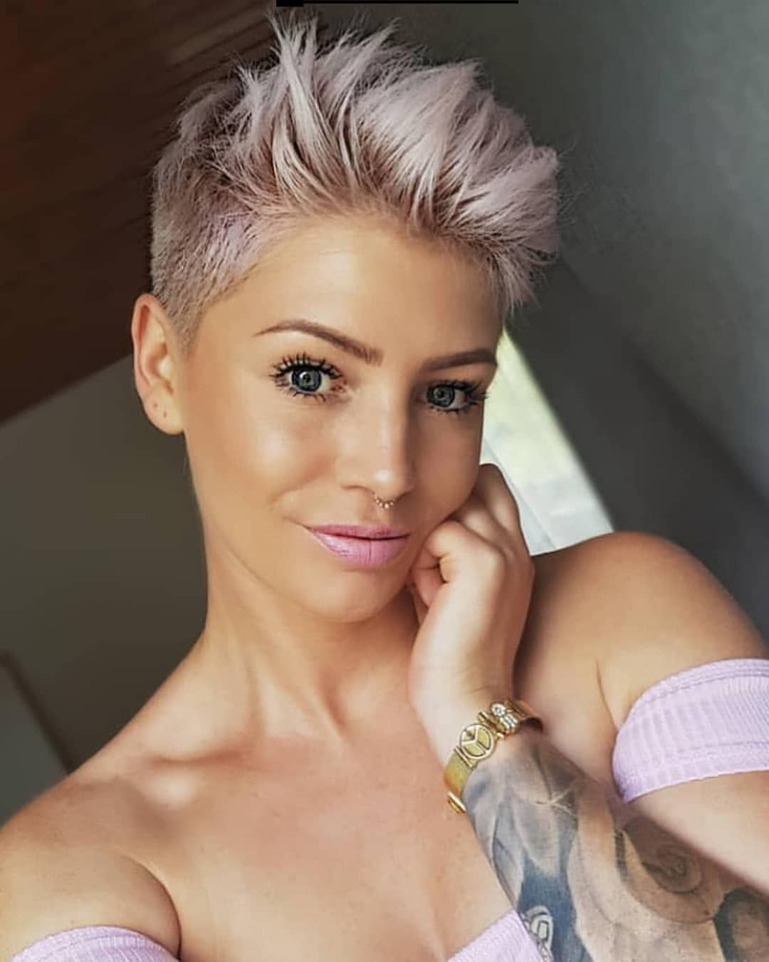 Official Page Short Hair Ideas On Instagram Credits To Anna Maria Theresia More Hairstyles Lin Short Pixie Haircuts Trending Haircuts Thick Hair Styles