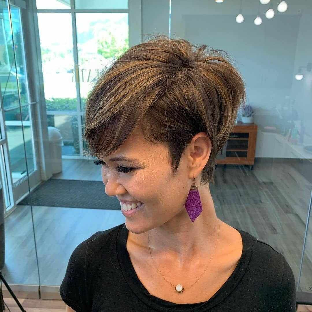 50 Best Pixie Bob Haircuts For Neat Look Hairstyle Samples Pixie Bob Haircut Hair Styles Bobs Haircuts