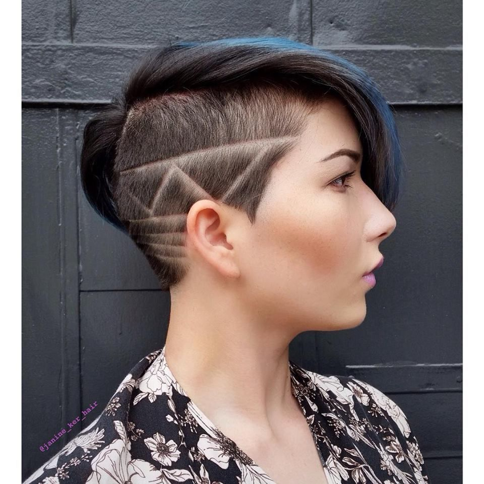 Wow 10 Zeer Gedurfde Extreem Korte Kapsels Deze Dames Bewijzen Dat Het Prachtig Kan Staan Kapsels Voor Ha Hair Styles Short Hair Styles Pixie Shaved Hair