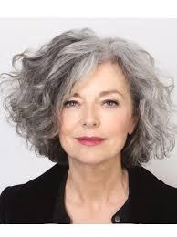 kapsels natuurlijk grijs haar halflang