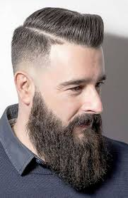 korte mannen kapsels met baard