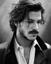 mannen kapsel langer haar