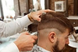 opscheer mannen kapsels kort opgeschoren achterkant